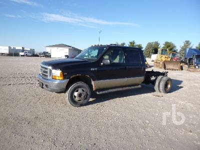 2001 FORD F350 Super Duty Crew Cab 4x4 Cab & Chassis