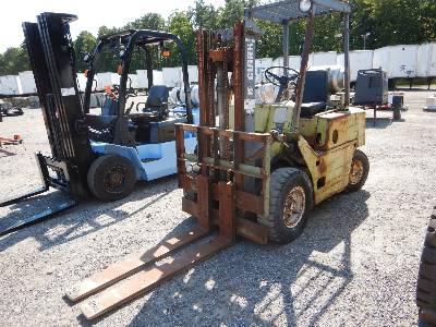 CLARK C500Y40 4000 Lb Forklift
