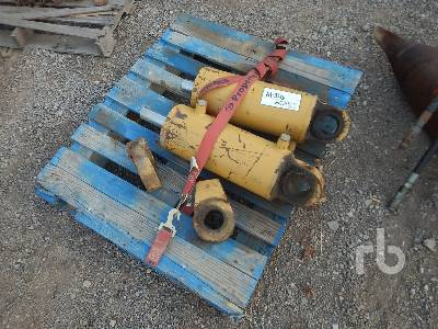 Qty of 2 Hydraulic Cylinders Parts - Other | Ritchie Bros