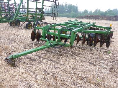 JOHN DEERE 425 12 Ft Offset Disc