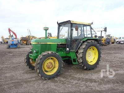 JOHN DEERE 3140 MFWD Tractor
