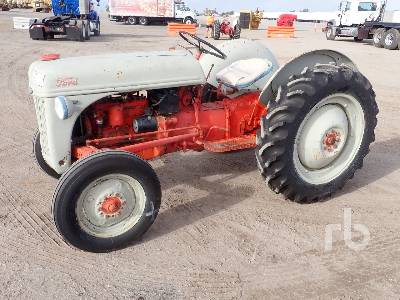 1949 FORD 8N 2WD Antique Tractor