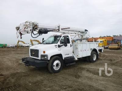 2005 CHEVROLET C7500 w/Altec DM47BR Digger Derrick Truck