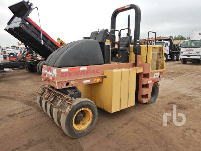 2005 DYNAPAC CP142 9 Wheel Pneumatic Roller