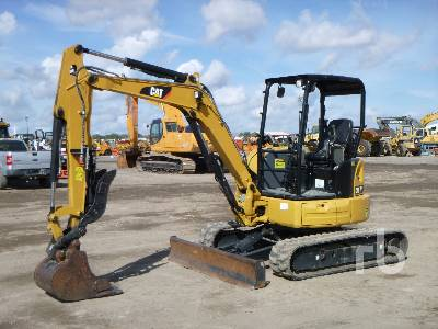 2016 CATERPILLAR 304E2CR Mini Excavator (1 - 4.9 Tons)