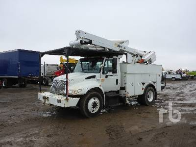 2010 INTERNATIONAL 4300SBA Durastar S/A Bucket Truck
