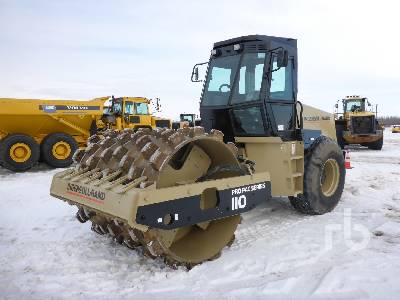 1998 INGERSOLL-RAND SD110F Vibratory Padfoot Compactor