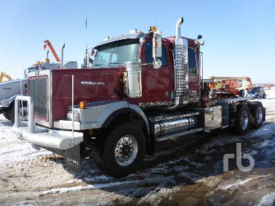 2007 WESTERN STAR 4900SA T/A Sleeper Winch Tractor