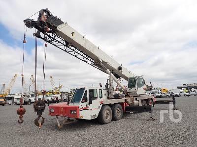 2006 LINK-BELT HTC8660 60 Ton T/A T/A Hydraulic Truck Crane