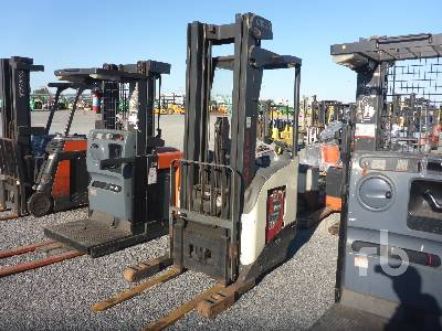 CROWN RR522535 Electric Forklift