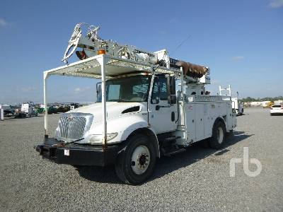 2014 INTERNATIONAL 4300 S/A w/Terex C4045 Digger Derrick Truck
