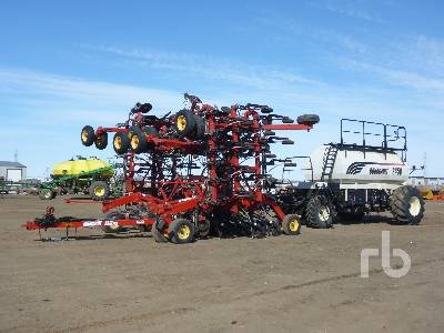 2008 BOURGAULT 3310PHD 48 Ft Air Drill