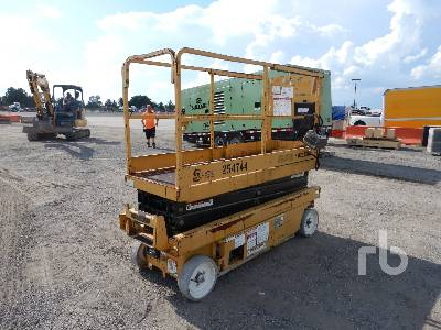 2000 GROVE SM2632E Electric Scissorlift