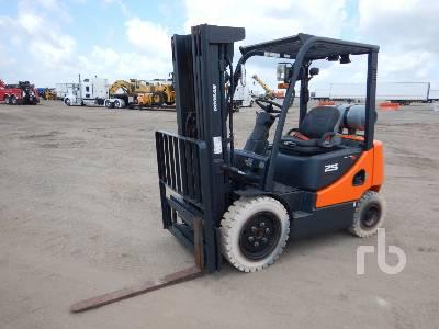 2016 DOOSAN G25E-5 4600 Lb Forklift