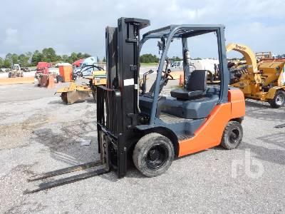 2014 TOYOTA 8FGU25 4500 Lb Forklift