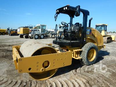 2017 CATERPILLAR CS44B Vibratory Roller