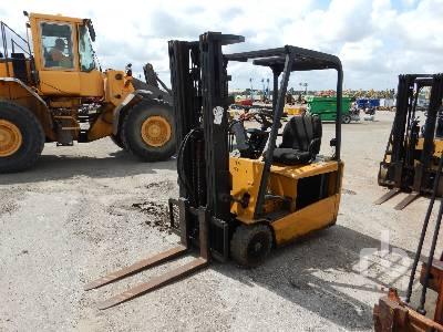 2004 CATERPILLAR EP16KT 3000 Lb Electric Forklift