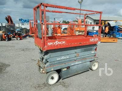 2014 SKYJACK SJIII3226 Electric Scissorlift
