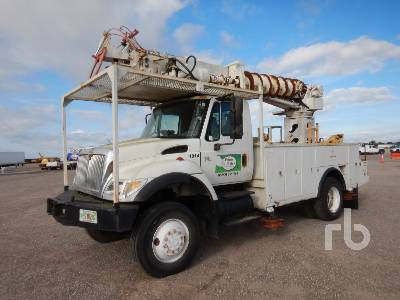 2007 INTERNATIONAL 7300 4x4 w/Terex Telelect Digger Derrick Truck