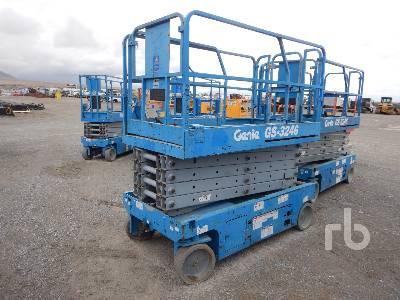 2012 GENIE GS3246 32 Ft Electric Scissorlift