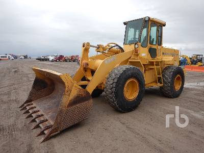 1989 JOHN DEERE 624E Wheel Loader