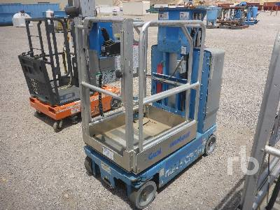 2010 GENIE GR15 Electric Material Lift