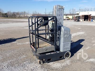 2010 JLG 20MVL Electric Personnel Lift Material Lift