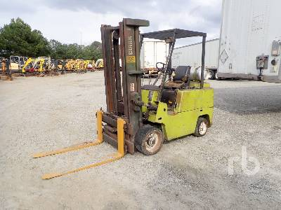 1992 CLARK C5000 6350 Lb Forklift