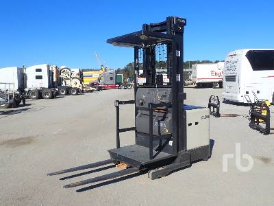 CROWN 3500 3000 Lb Order Picker Electric Forklift