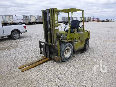 CLARK C500YS80 6825 Lb Forklift