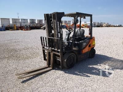 DOOSAN D30S5 5500 Lb Forklift