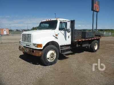 1993 INTERNATIONAL 4900 S/A Winch Tractor