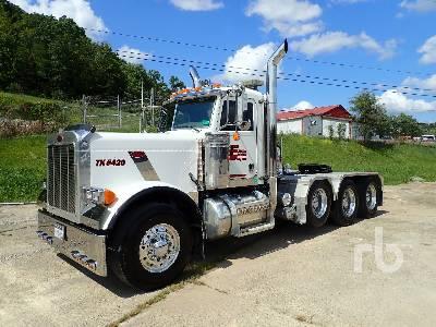 2006 PETERBILT 379 8x4 Day Cab Truck Tractor (Tri/A)