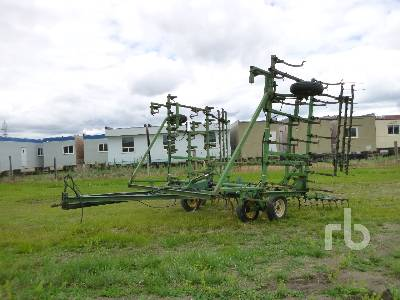 JOHN DEERE 1000 30 Ft Cultivator