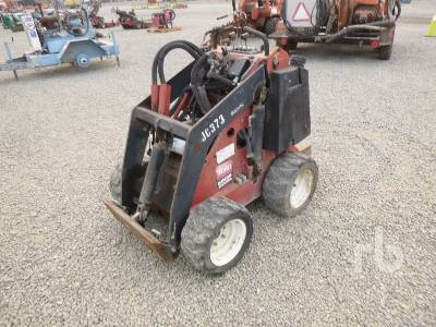 2009 TORO DINGO 22305 Walk Behind Skid Steer Loader