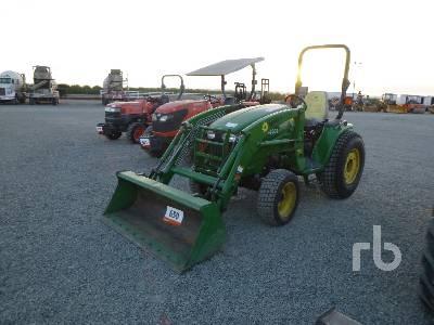JOHN DEERE 3320 Utility Tractor