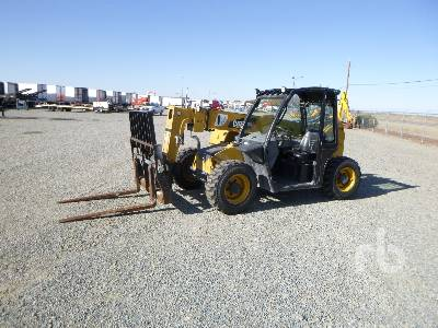 2013 CATERPILLAR TH255 2000 Lb 4x4x4 Telescopic Forklift