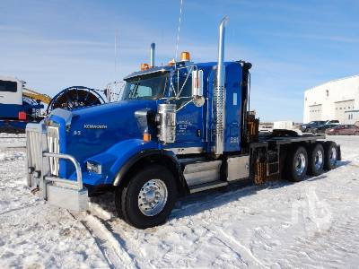 2019 KENWORTH T800 Tri Drive Sleeper Winch Tractor