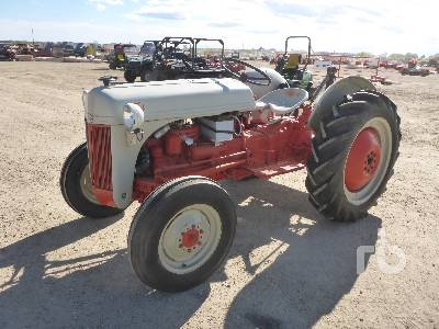 1952 FORD 8N 2WD Antique Tractor