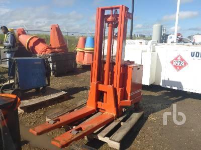 BT 2640 Lb Electric Forklift