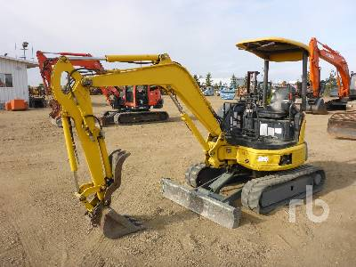 2010 KOMATSU PC27MR-2 Mini Excavator (1 - 4.9 Tons)
