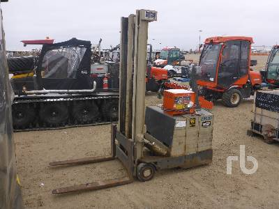 CROWN 1500 Lb Electric Forklift