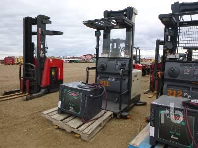 CROWN SP302030 Electric Forklift