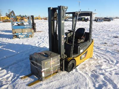 2015 CATERPILLAR 2ET3500 3500 Lb Electric Forklift