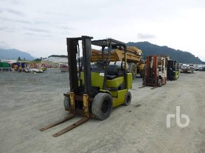 CLARK CGP30 6000 Lb Forklift
