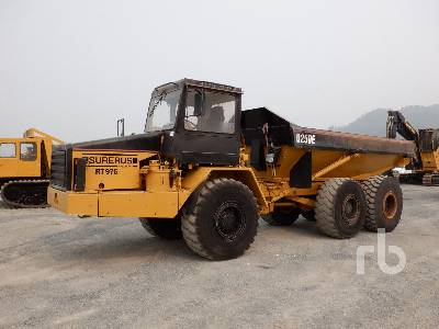 1995 CATERPILLAR D250E Articulated Dump Truck