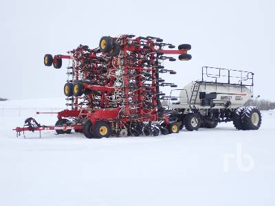 2010 BOURGAULT 3310PHD 76 Ft Air Drill