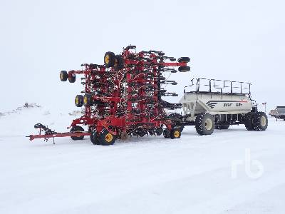 2013 BOURGAULT 3320PHD 76 Ft Air Drill