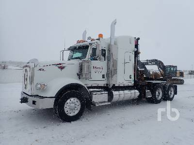 2014 PETERBILT 367 T/A Sleeper Winch Tractor