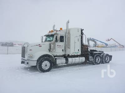 2015 PETERBILT 367 T/A Sleeper Winch Tractor